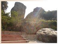 Grotte de Ananda à Rajgir - Pèlerinage Bouddhisme Inde Népal Amitabha Terre Pure